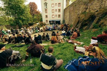"""Große Versammlung bei der LARP Veranstaltung """"Pestilenz"""""""