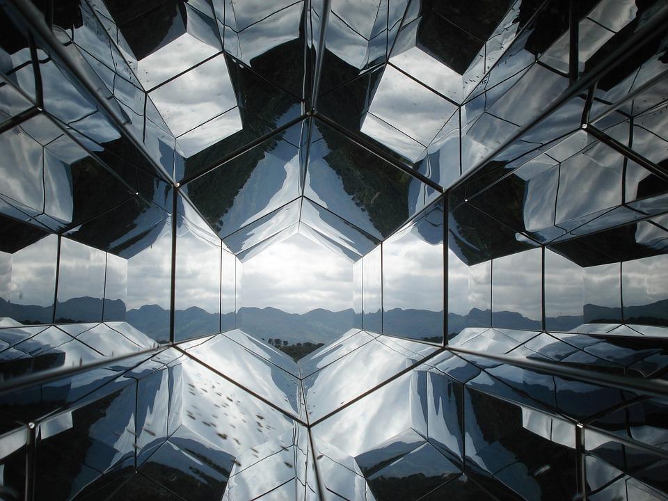 Gefangen im Spiegel – Anastasyas Visionen